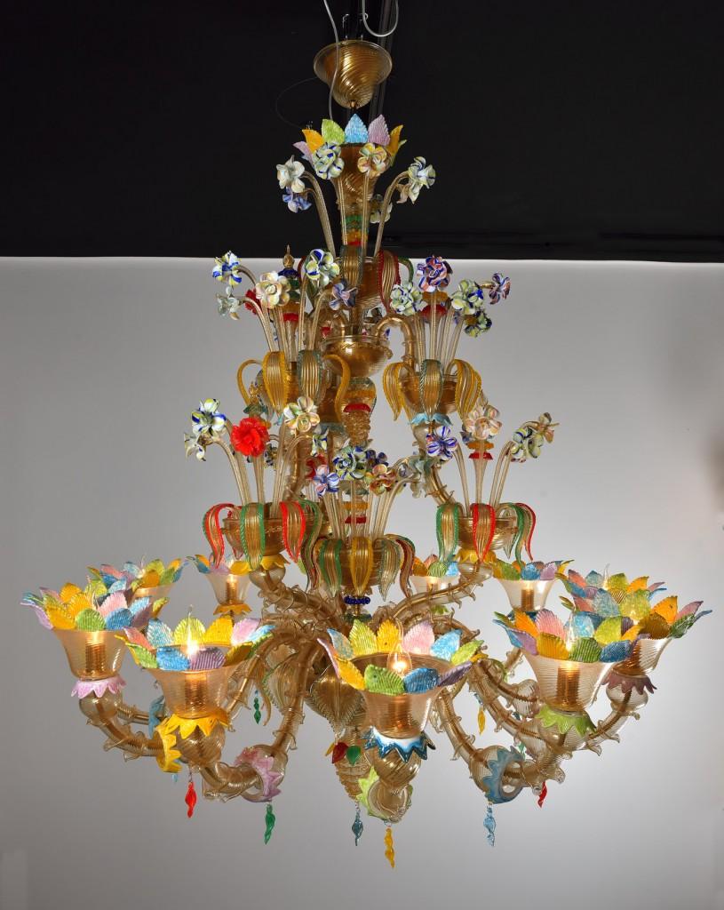 lustre exceptionnel en verre souffl de murano avec fleurs de toutes les couleurs luxury. Black Bedroom Furniture Sets. Home Design Ideas