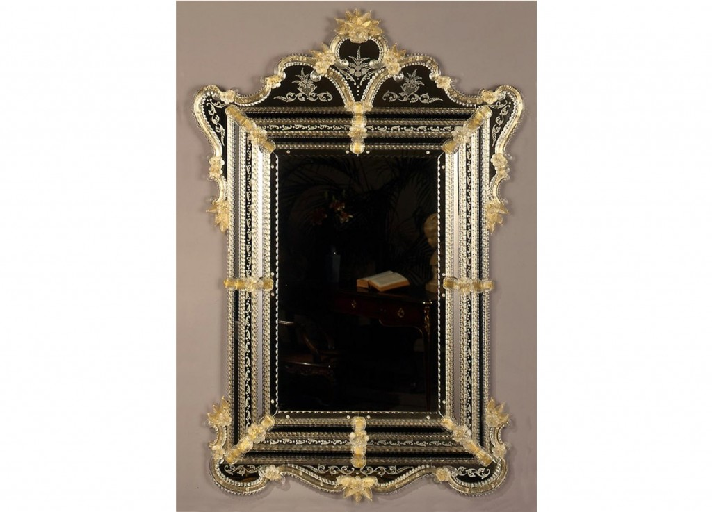 Miroir baroque parecloses dans la pure tradition de for Miroir collable