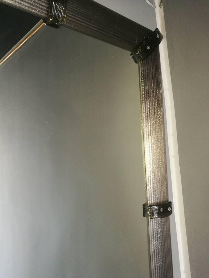 Miroir artisanal en verre de murano luxury chandeliers for Miroir artisanal